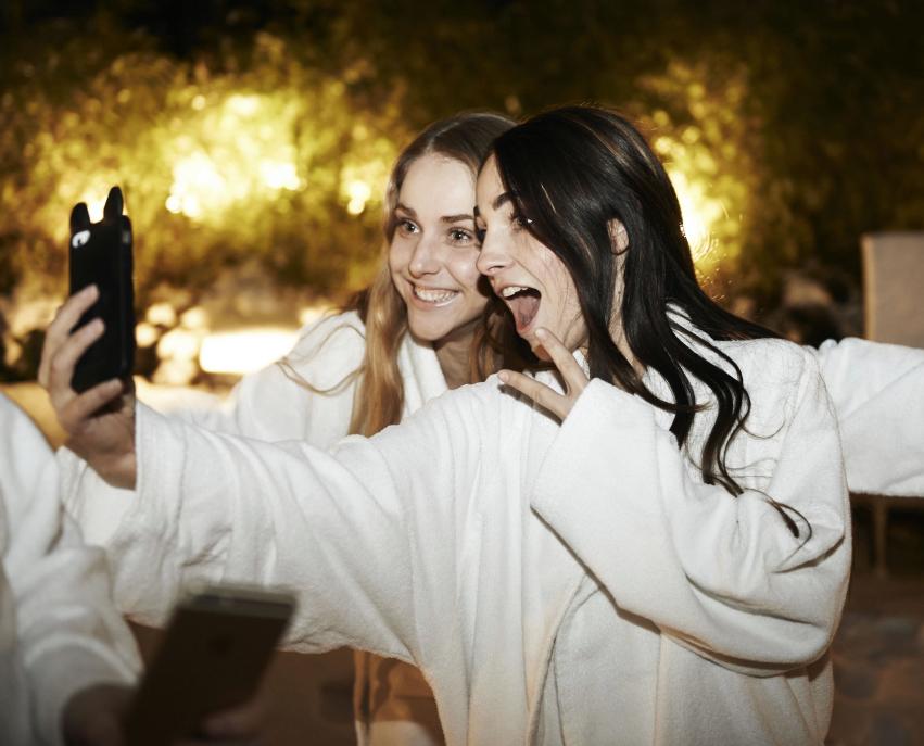 perstrip van haren x sylvie meis selfie