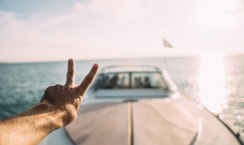 Essential_Ibiza_Smart_Yachting_2015_Boat_Girls-0031